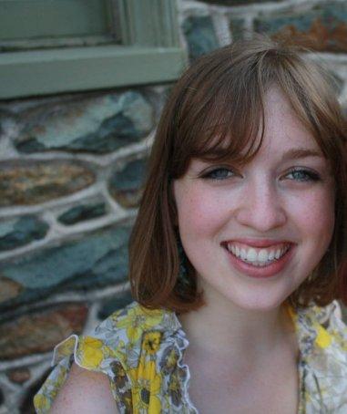 Paula Reichel Headshot